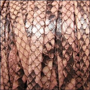 5mm flat PYTHON leather SALMON - per 1 meter