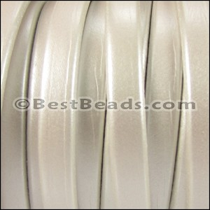 Regaliz® 4.5mm leather METALLIC WHITE - per 10m SPOOL